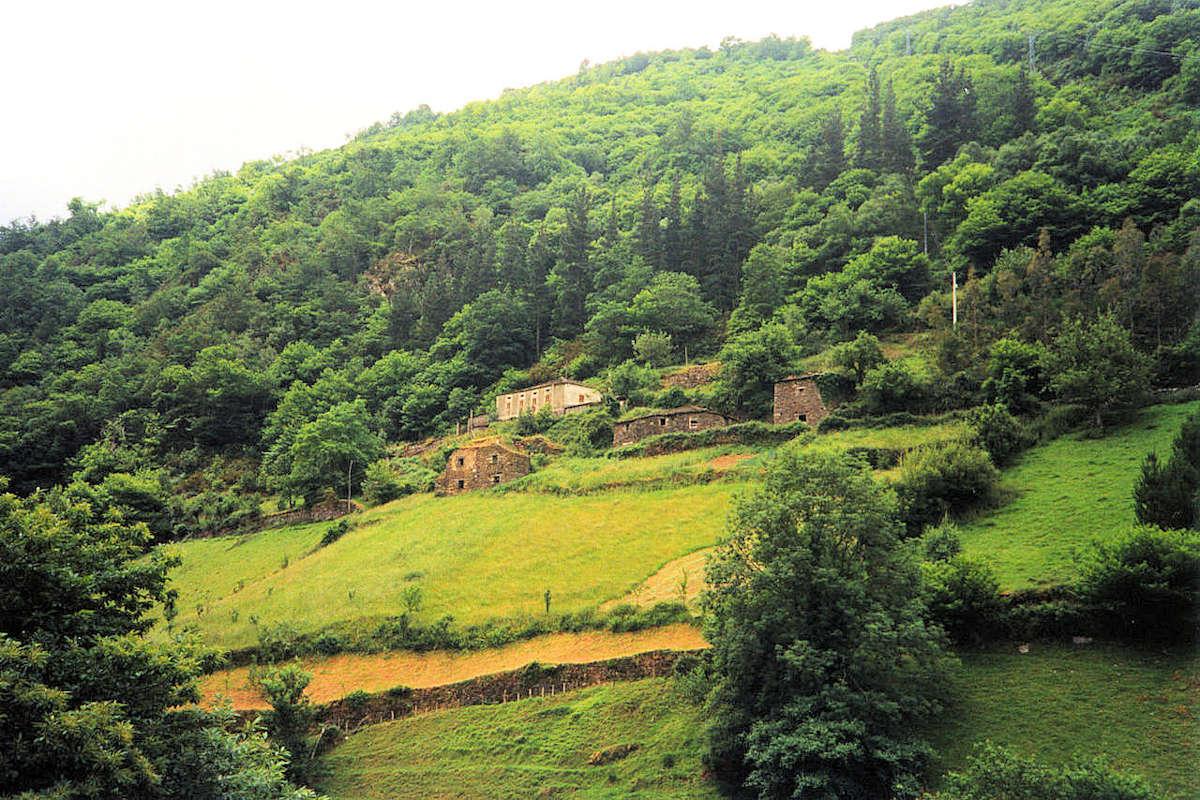 Taramundi-un-pueblo-de-Asturias