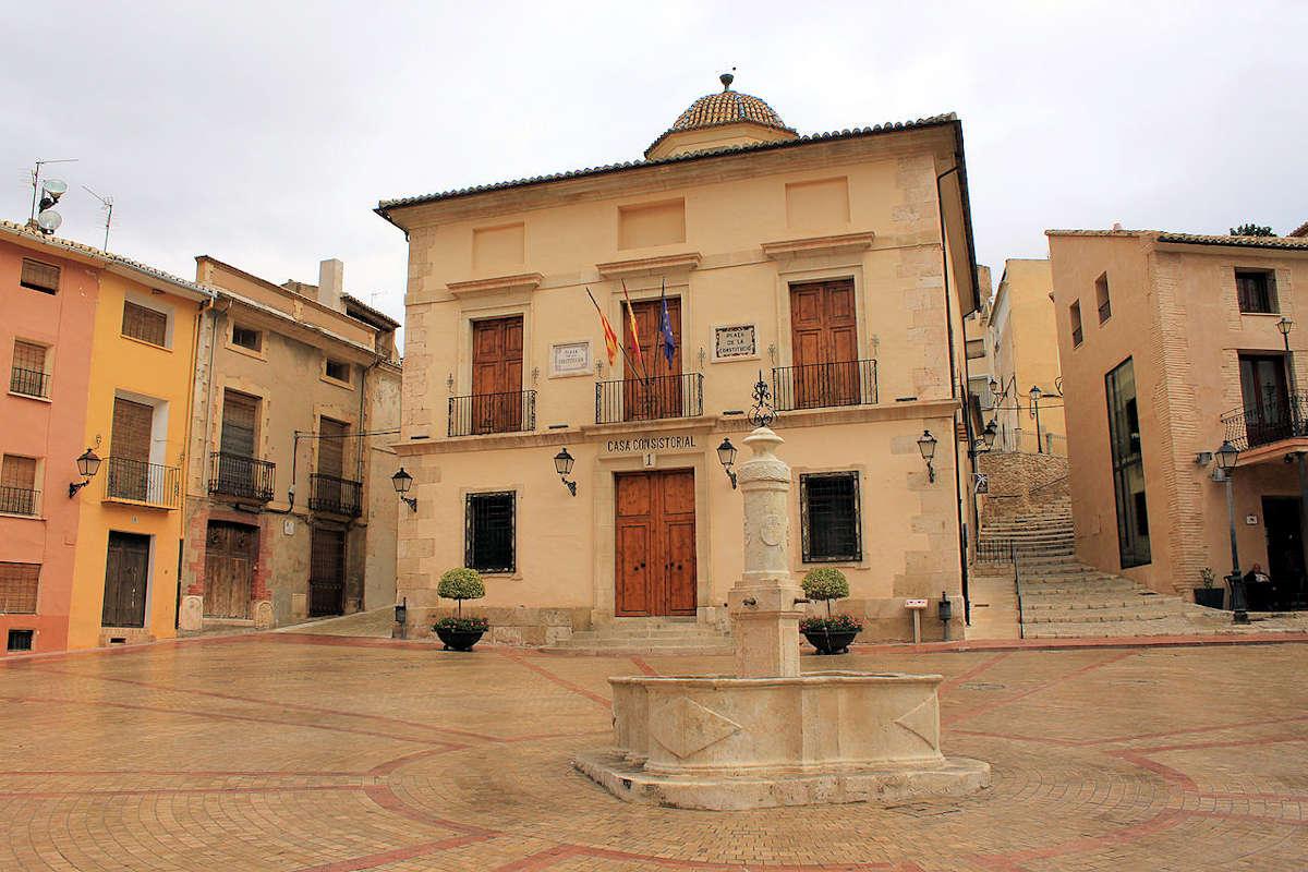 plaza-de-la-constitución-ayuntamiento-biar-alicante