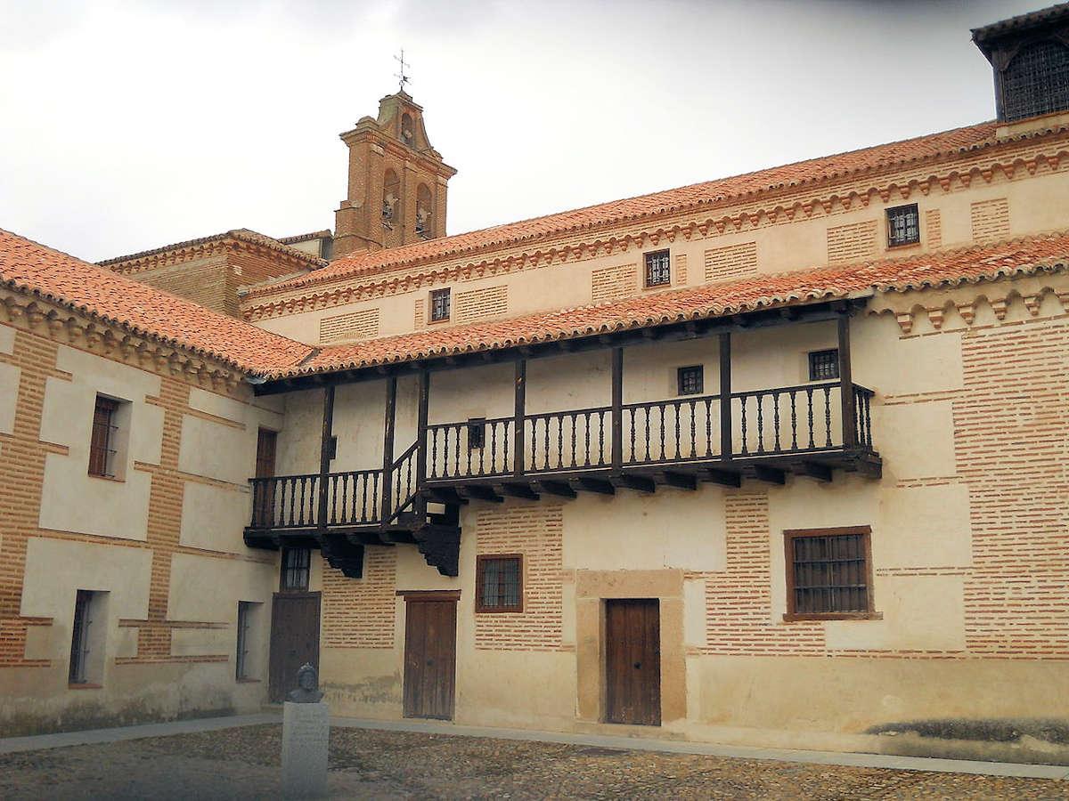 Plaza-El-Cristo-Real-Hospital-de-la-Purísima- Concepción-Ávila