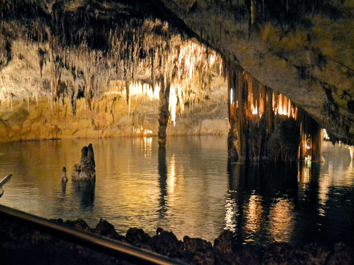cuevas-del-dranch