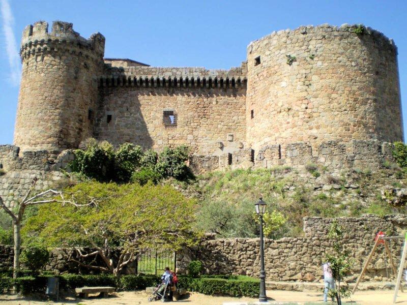 Exterior Castillo de Mombeltrán