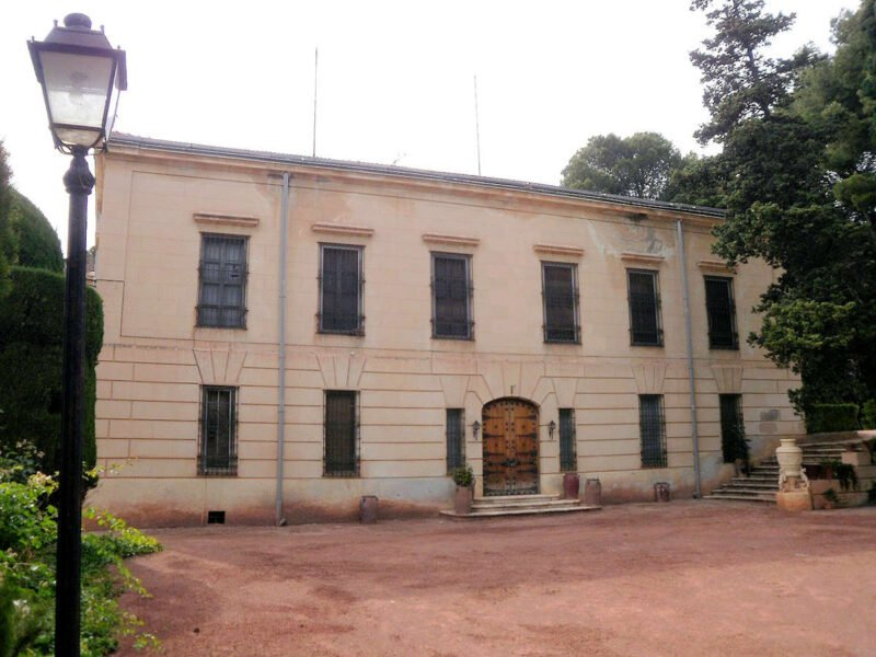 Fachada del Palacete del Poblet de la Guerra Civil