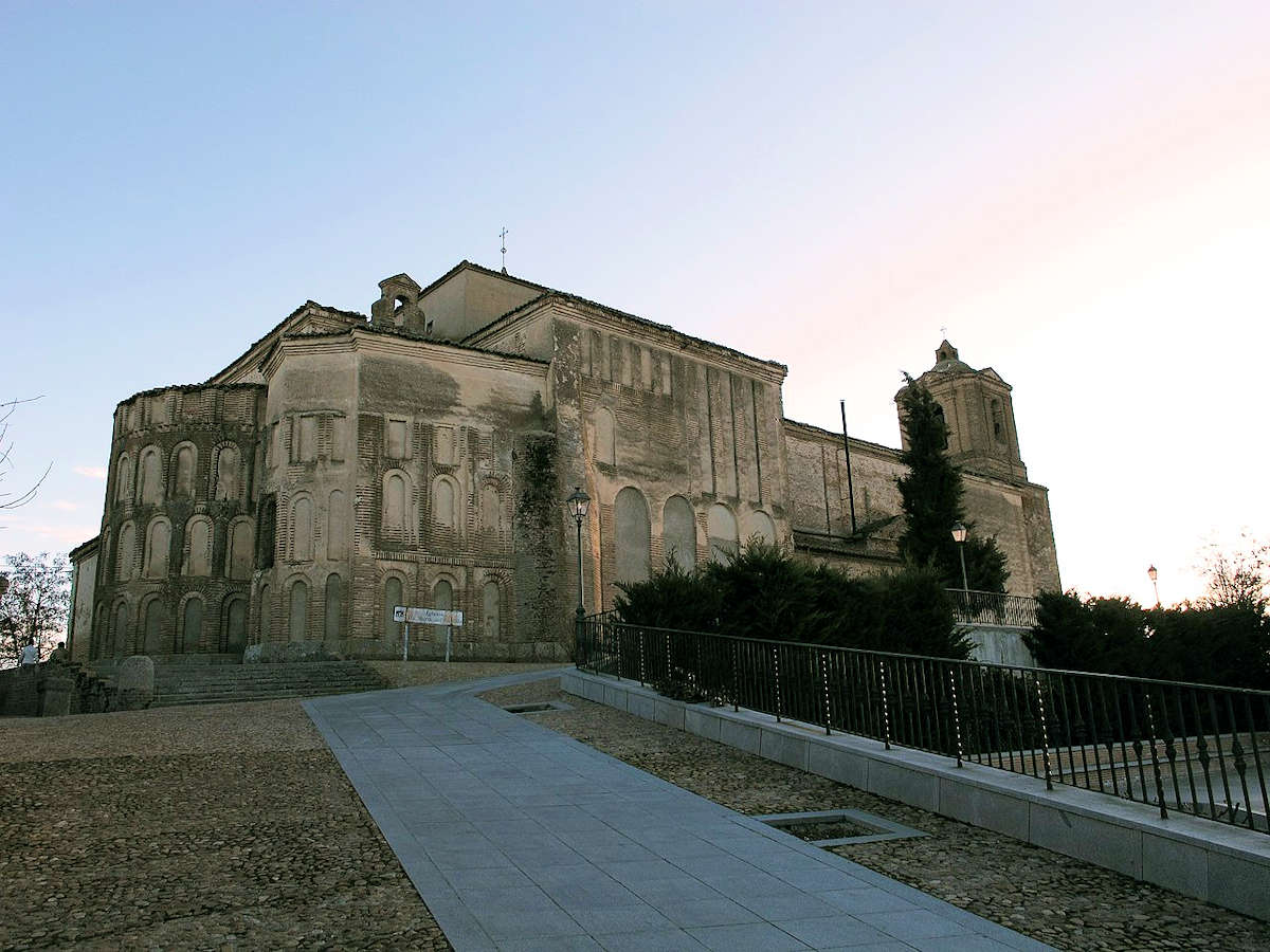 Iglesia-de-Santa-María-del-Castillo-Madrigal-de-las-Altas-Torres