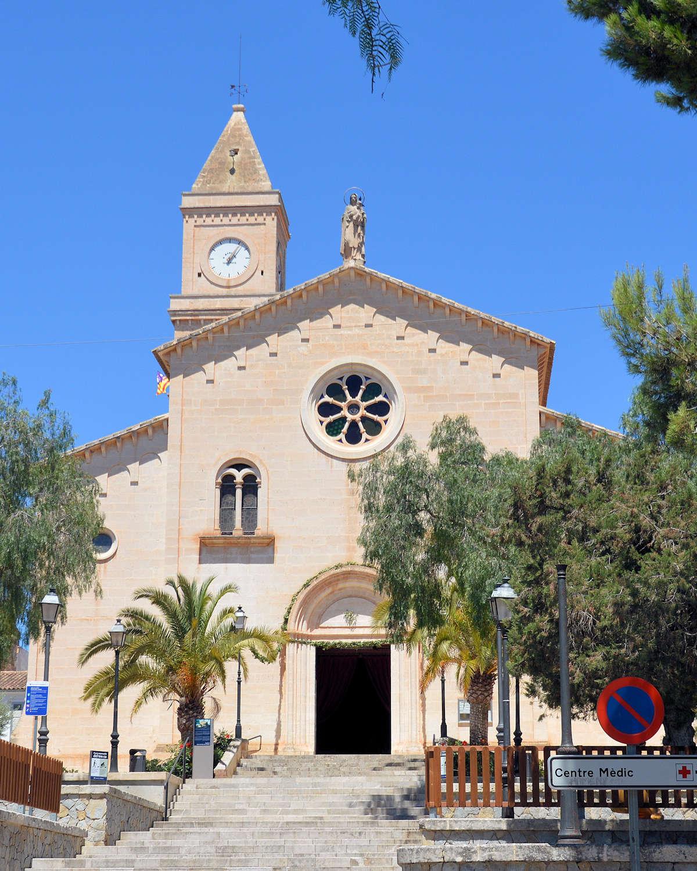 Iglesia-de-la-Mare-de-Déu-del-Carmen-Porto-Cristo