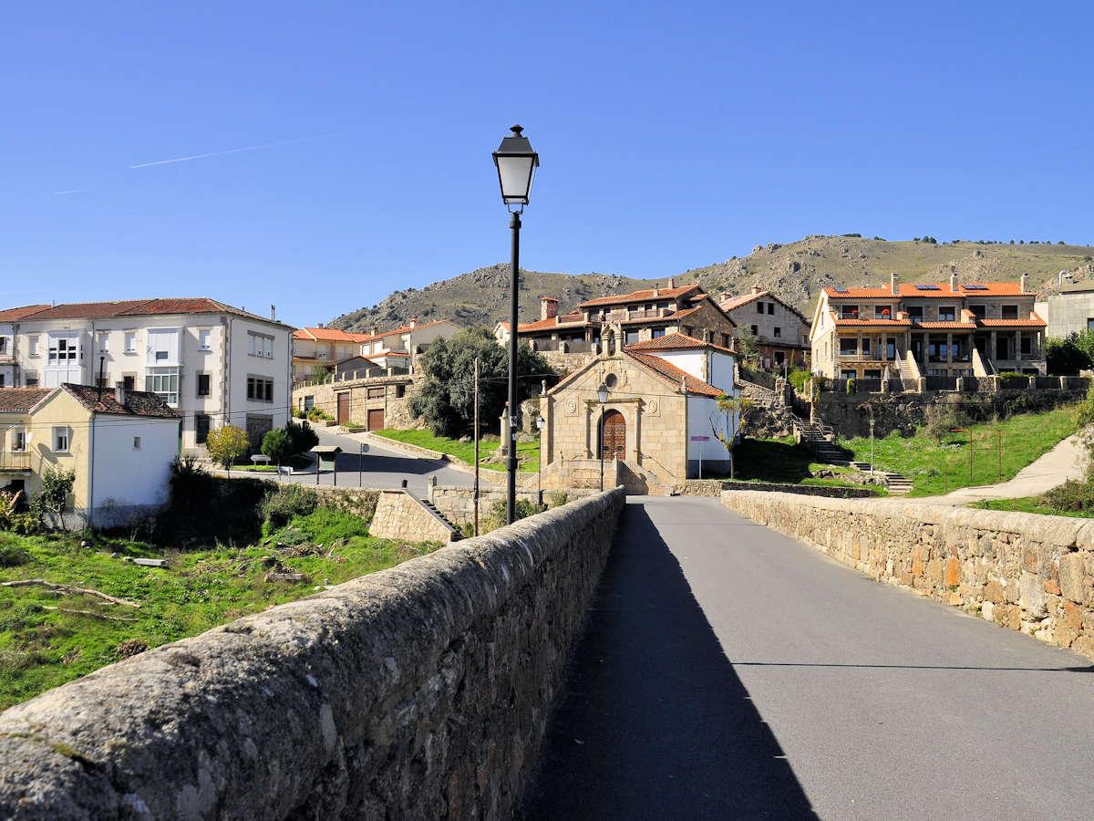 plaza-mayor-barco-del-ávila-provincia-abulense