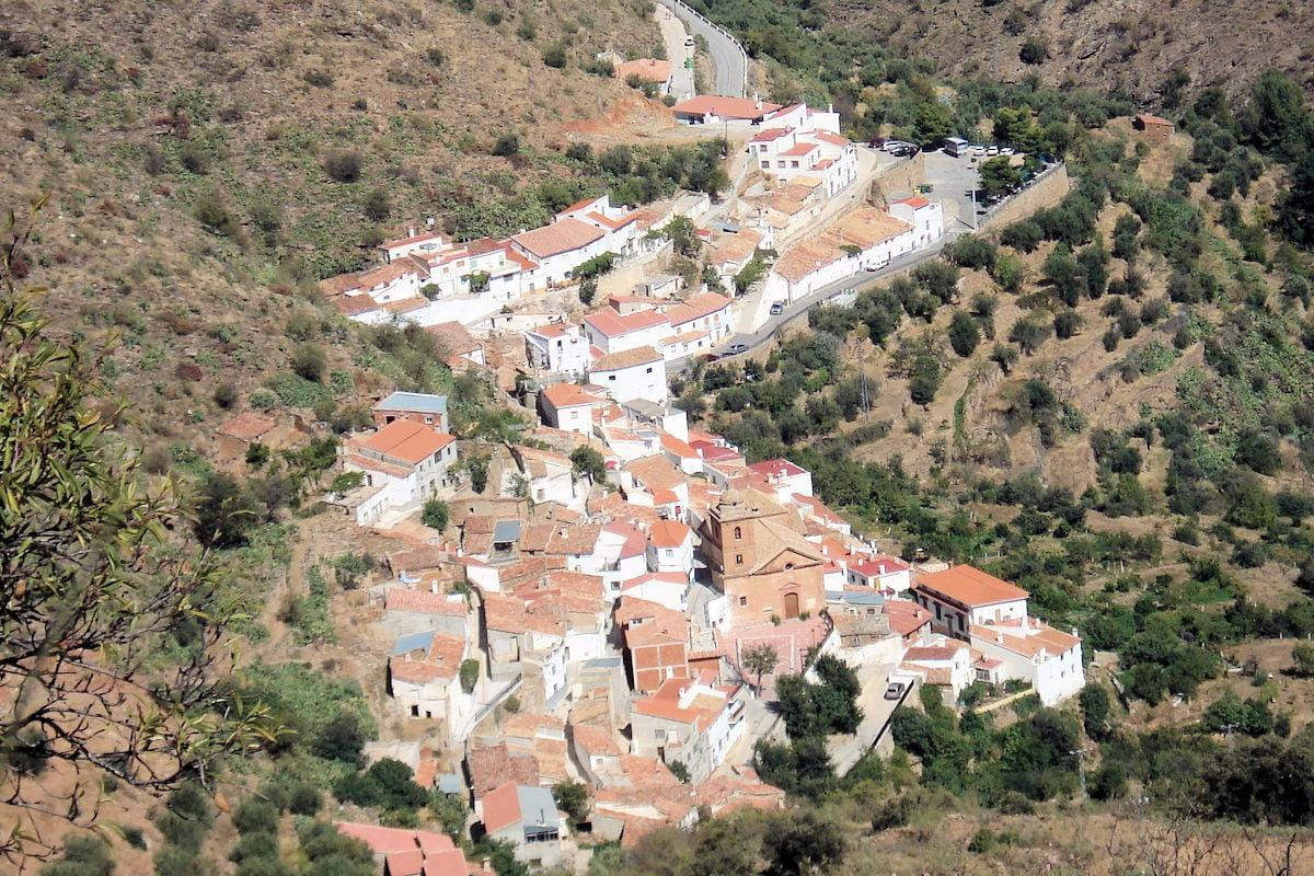 visitar-pueblos-de-almería-laroya