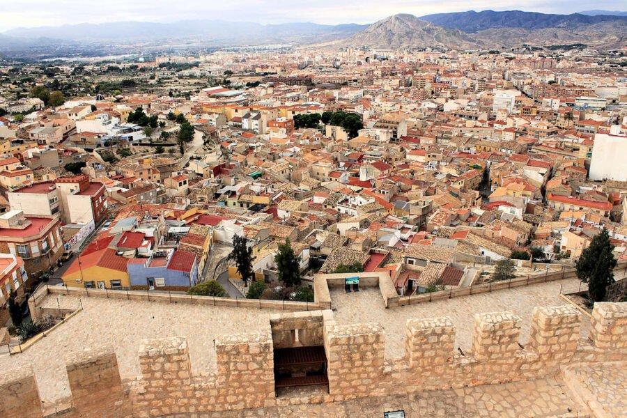 Visita Petrer en Alicante
