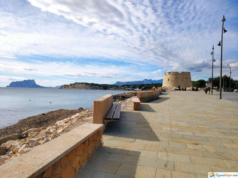 Vistas al Castillo y Playa de Moraira