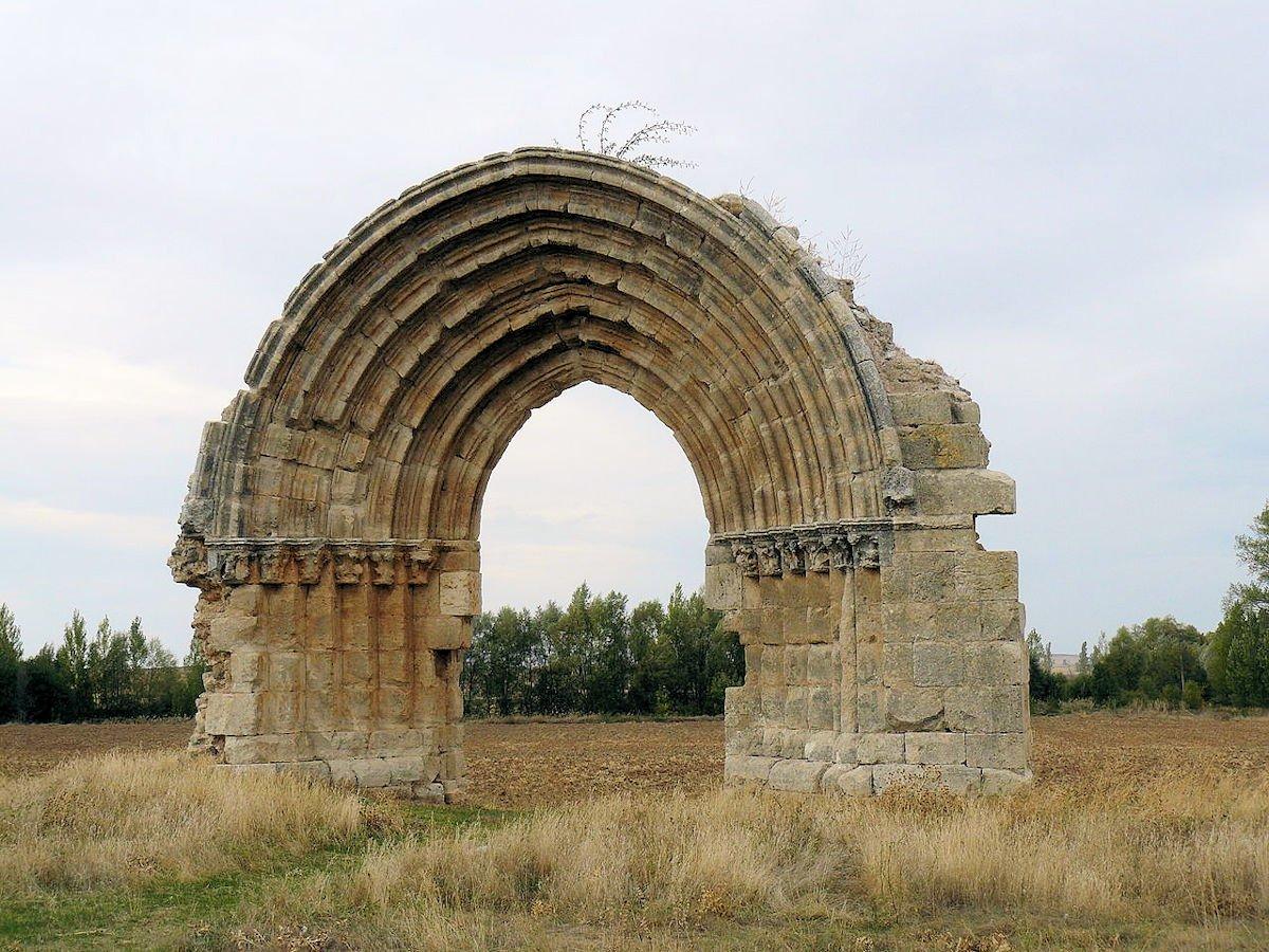 Arco-de-San-Miguel-de-Mazarreros-Sasamón