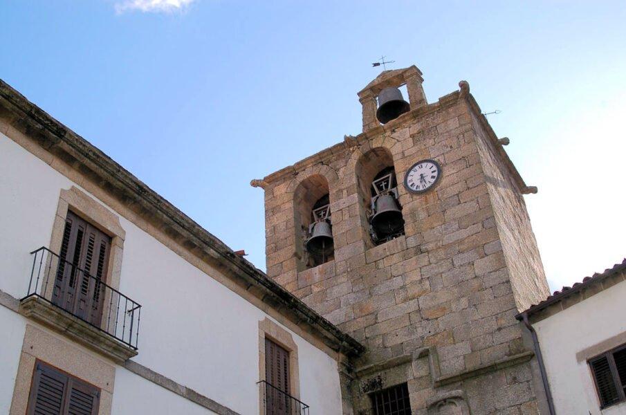 Campanario de la Iglesia de San Martín de Trevejo