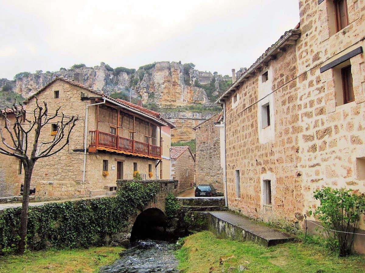 casco-urbano-orbaneja-del-castillo-burgos