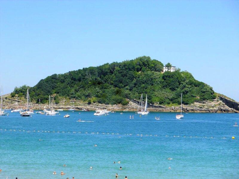 Faro de la isla de Santa Clara