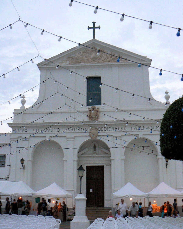 Plaza-de-Sa-Creu-Ayuntamiento-Sant-Lluís
