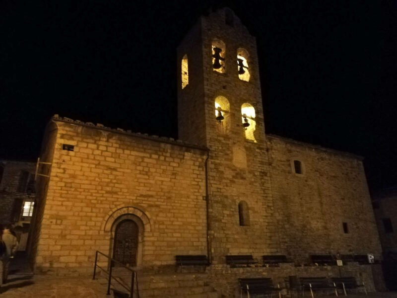 Iglesia de Santa María en Castellar de N'hug