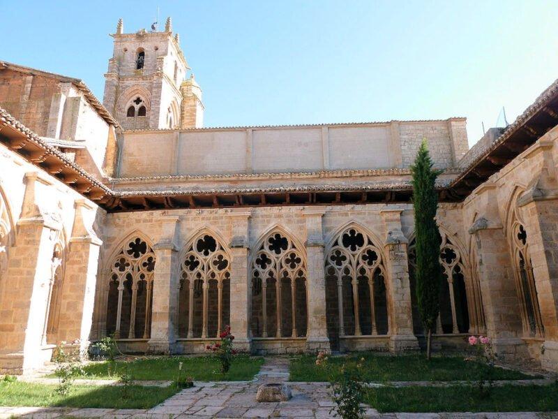 Interior Iglesia de Santa María la Real