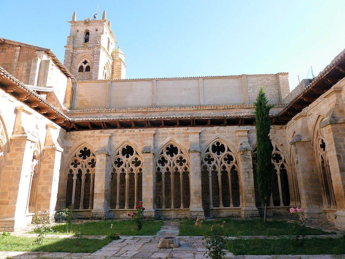 claustro-iglesia-santa-maria-la-real-sasamóm-burgos