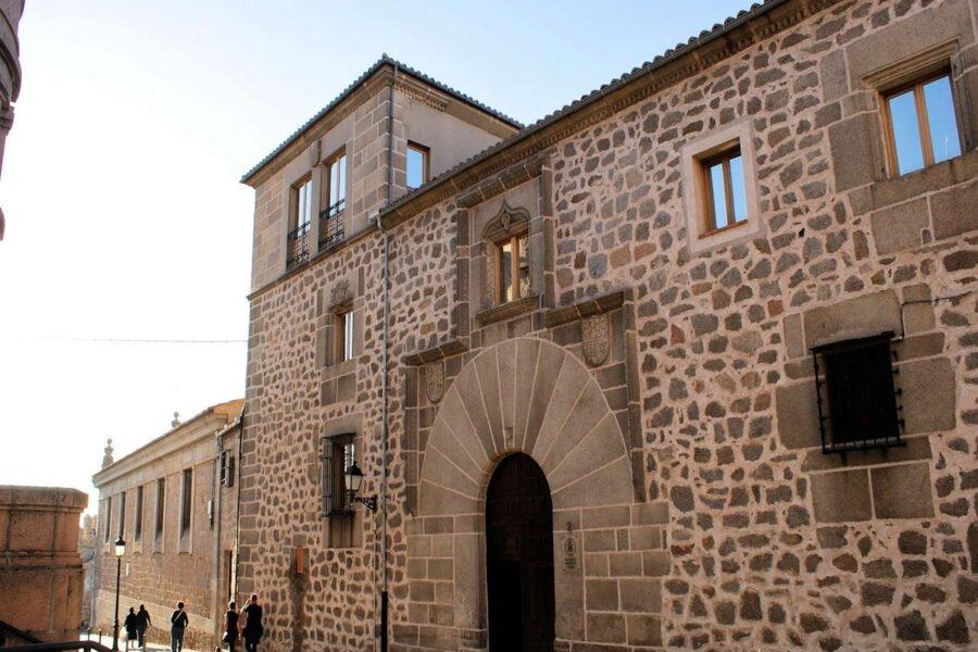 Los Palacios de Ávila