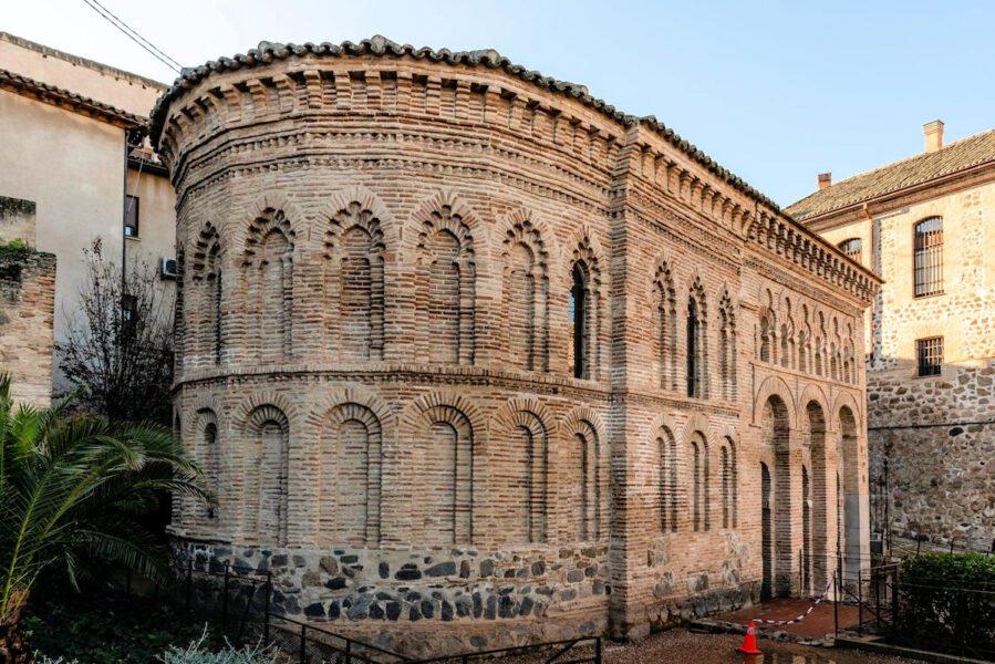 Mezquita Cristo de la Luz y Calzada Romana