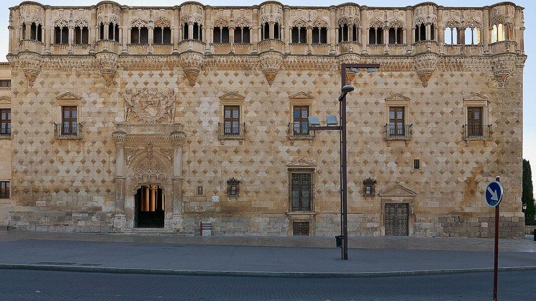 Palacio del Infantado Guadalajara. Fachada principal