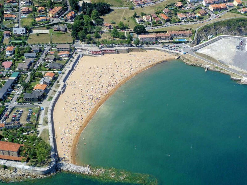 Playa Luanco en Asturias