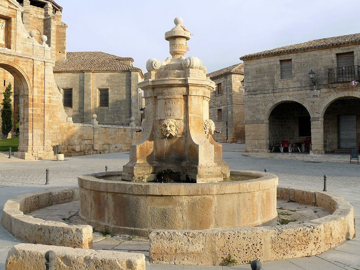 Sasamón-Plaza-Mayor-Ayuntamiento