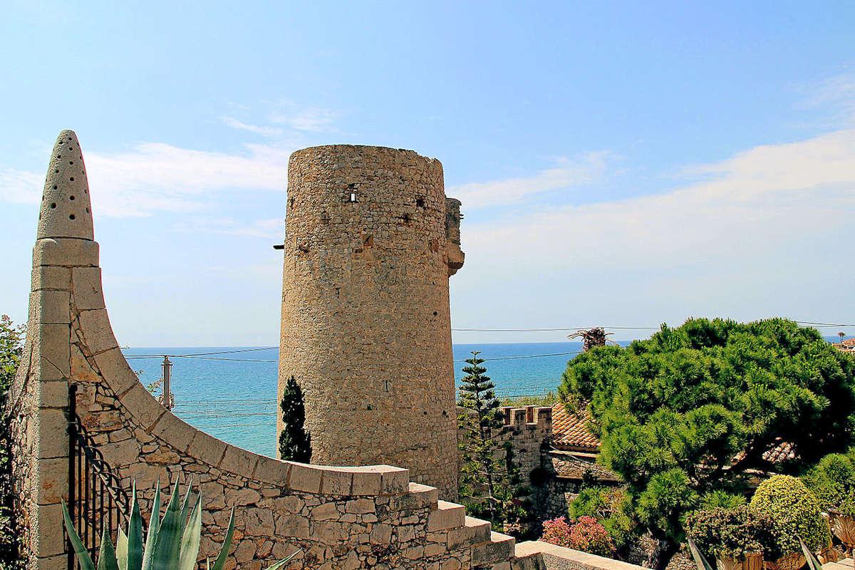 Torre-Blava-Playa-Ribes-Roges-Garraf