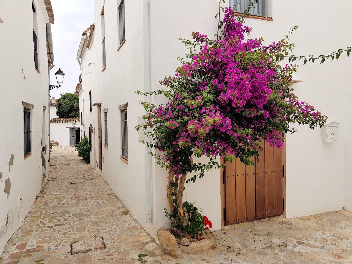 visitar-los-pueblos-más-bonitos-de-España-Castellar-de-la-Frontera-Cádiz