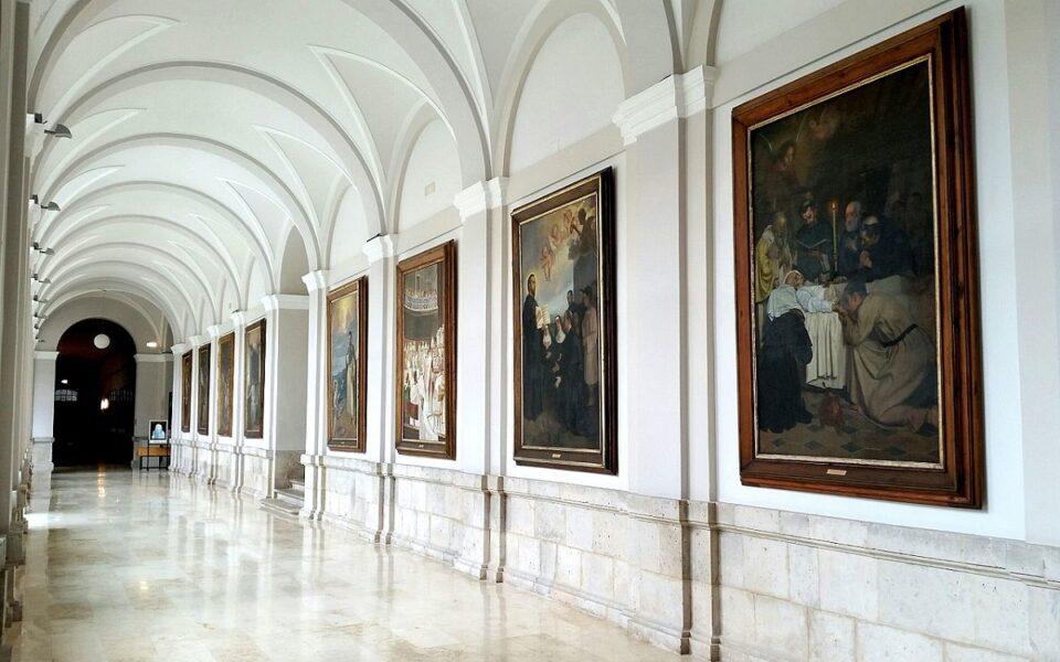 Claustro convento de los Agustinos Filipinos de Valladolid