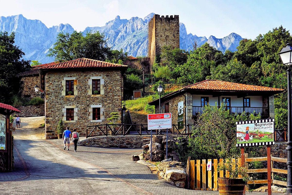 Mogrovejo-un-pueblo-de-Cantabria