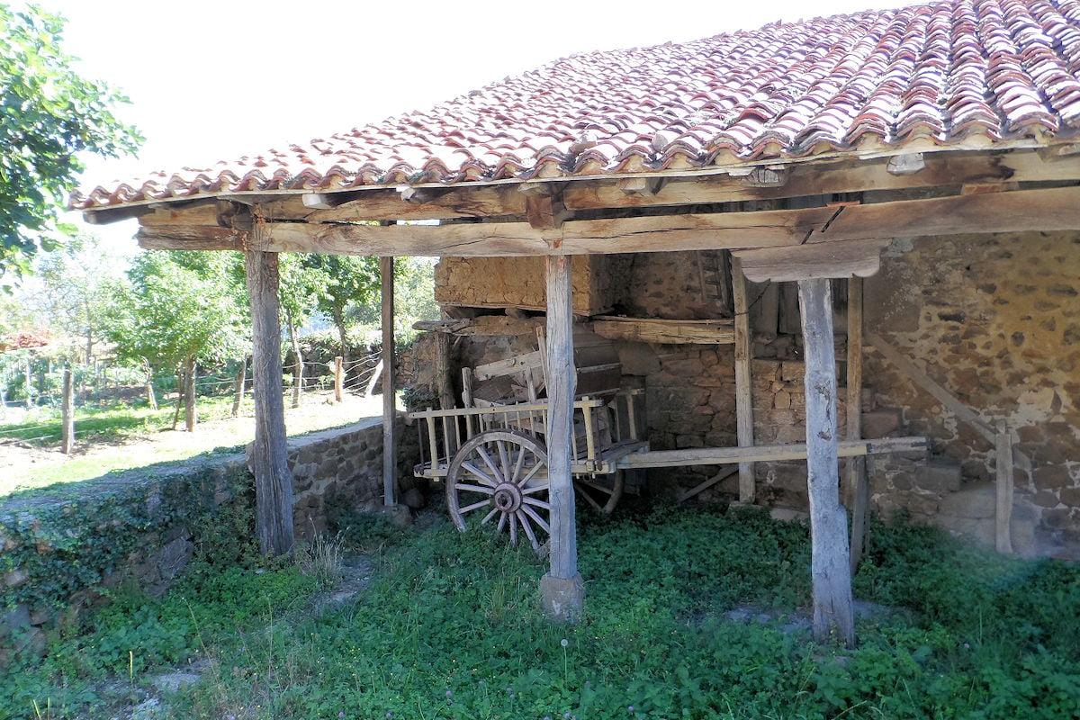 antiguo-horreo-mogrovejo-cantabria