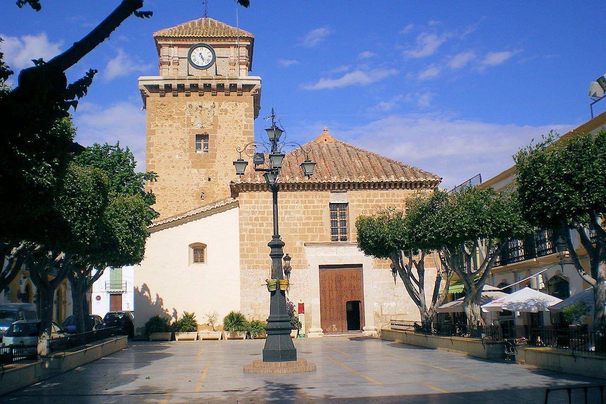 Iglesia-Santa-María-de-la-Asunción -Plaza-La-glorieta-Níjar
