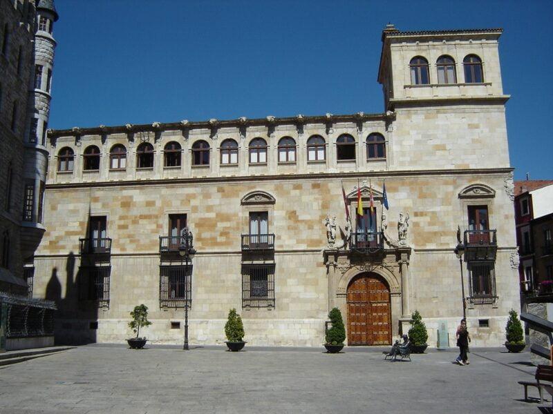 Palacio de los Guzmanes Leon