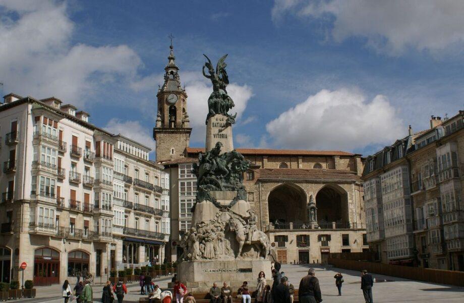 Plaza de la Virgen Blanca Vitoria