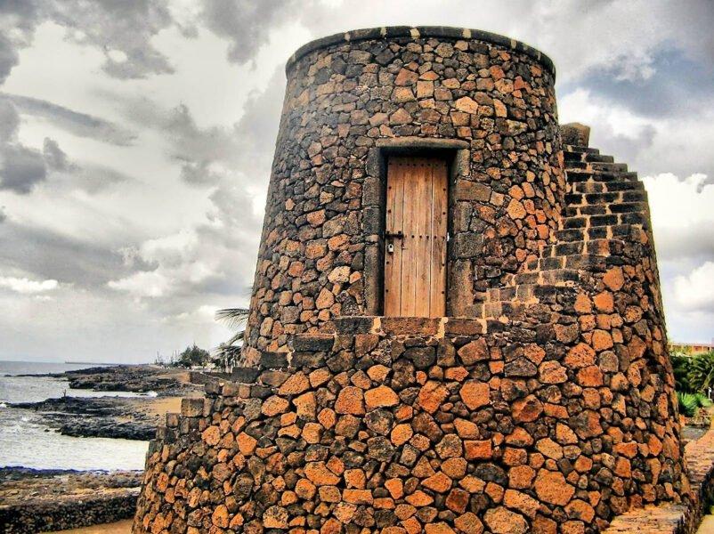 Torre de Playa Bastián