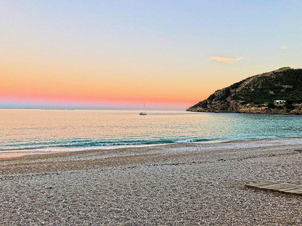 PLAYA DEL ALBÍR » Una preciosa playa de aguas cristalinas