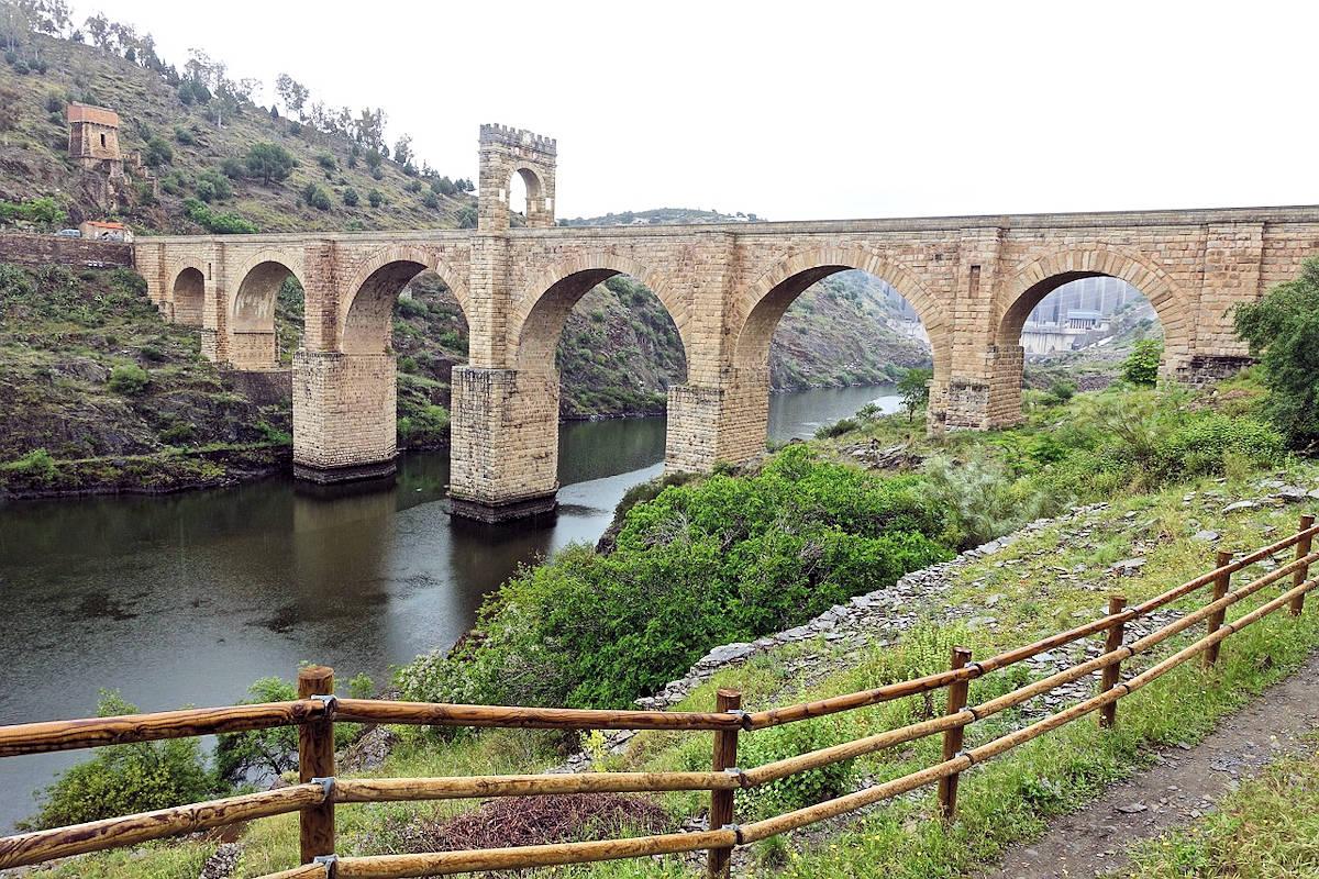 ALCÁNTARA-Pueblos más bonitos de Cáceres