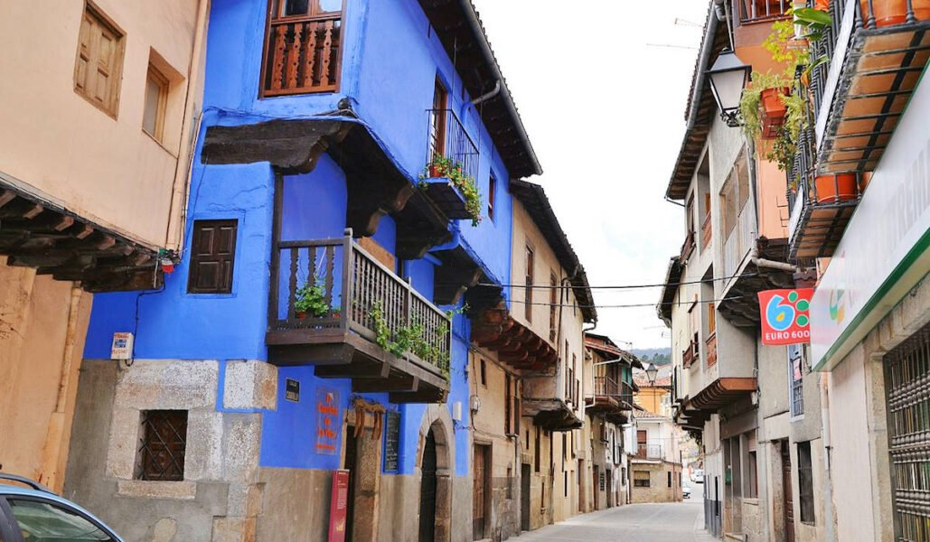 Casa de las Muñecas en Garganta de Olla