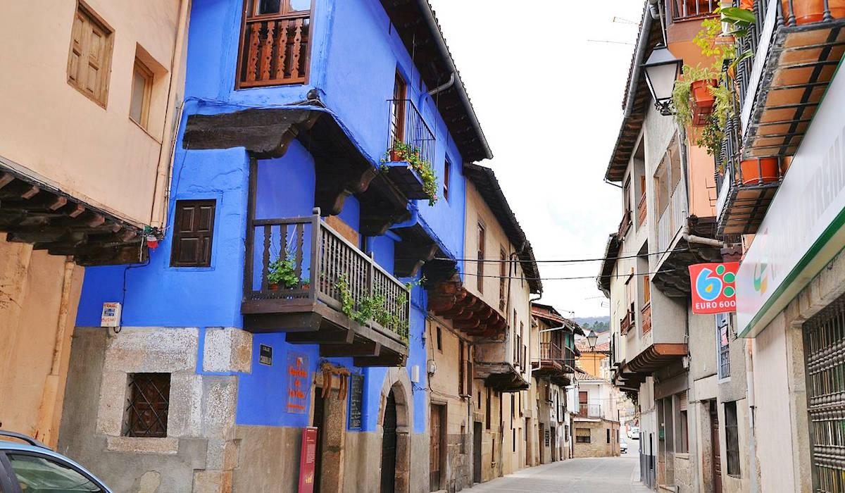 Casa-de-La- Muñecas-Garganta-la-Olla