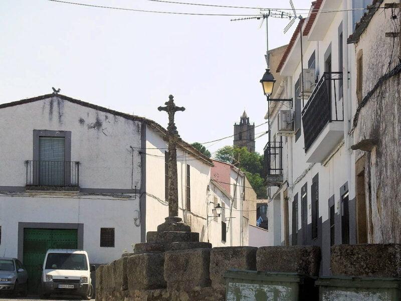 Cruz de la Plaza de los Mártires