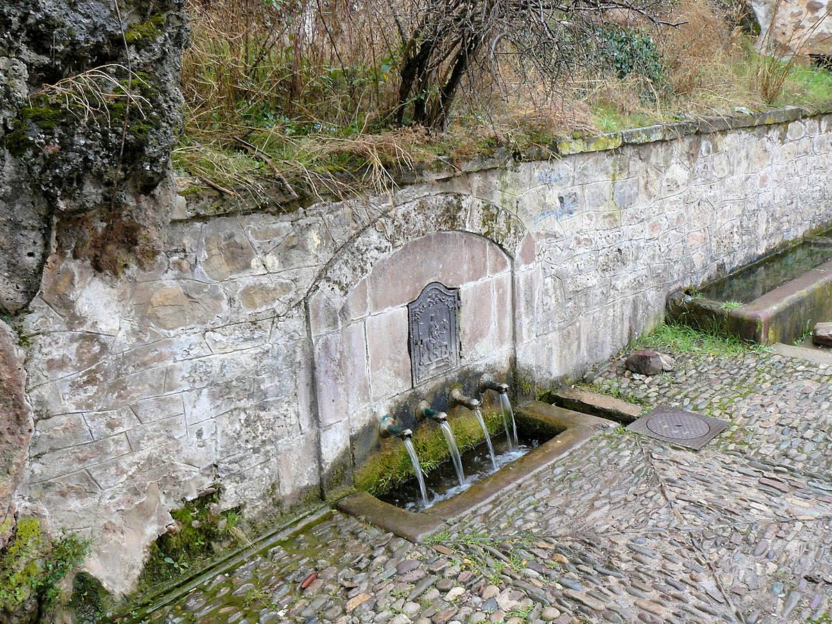 Viniegra-de-Abajo-fuente-de-los- 4-caños