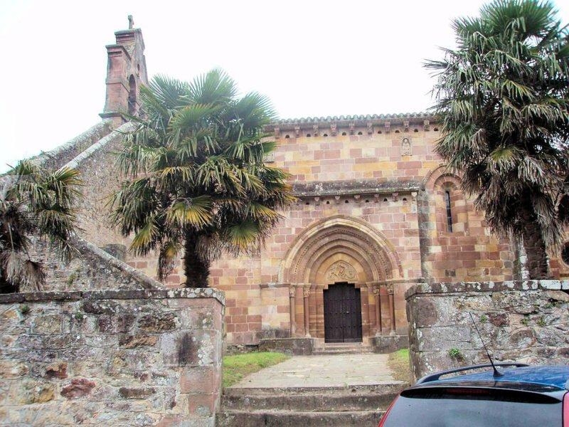 Iglesia de Santa María en Cartes