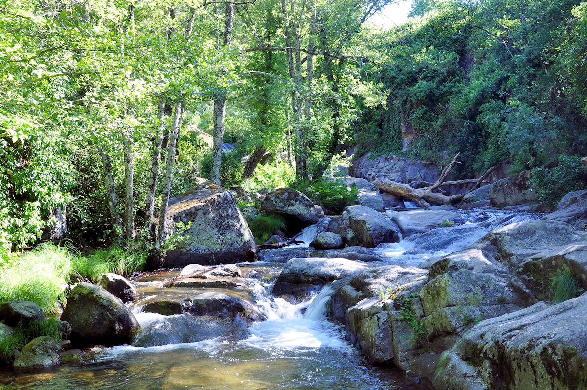 garganta-la-olla-cáceres-piscinas-naturales