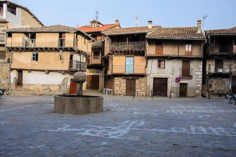 Plaza 10 de Mayo en Garganta de Olla