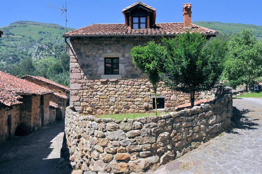 Carmona pueblos bonitos de Cantabria