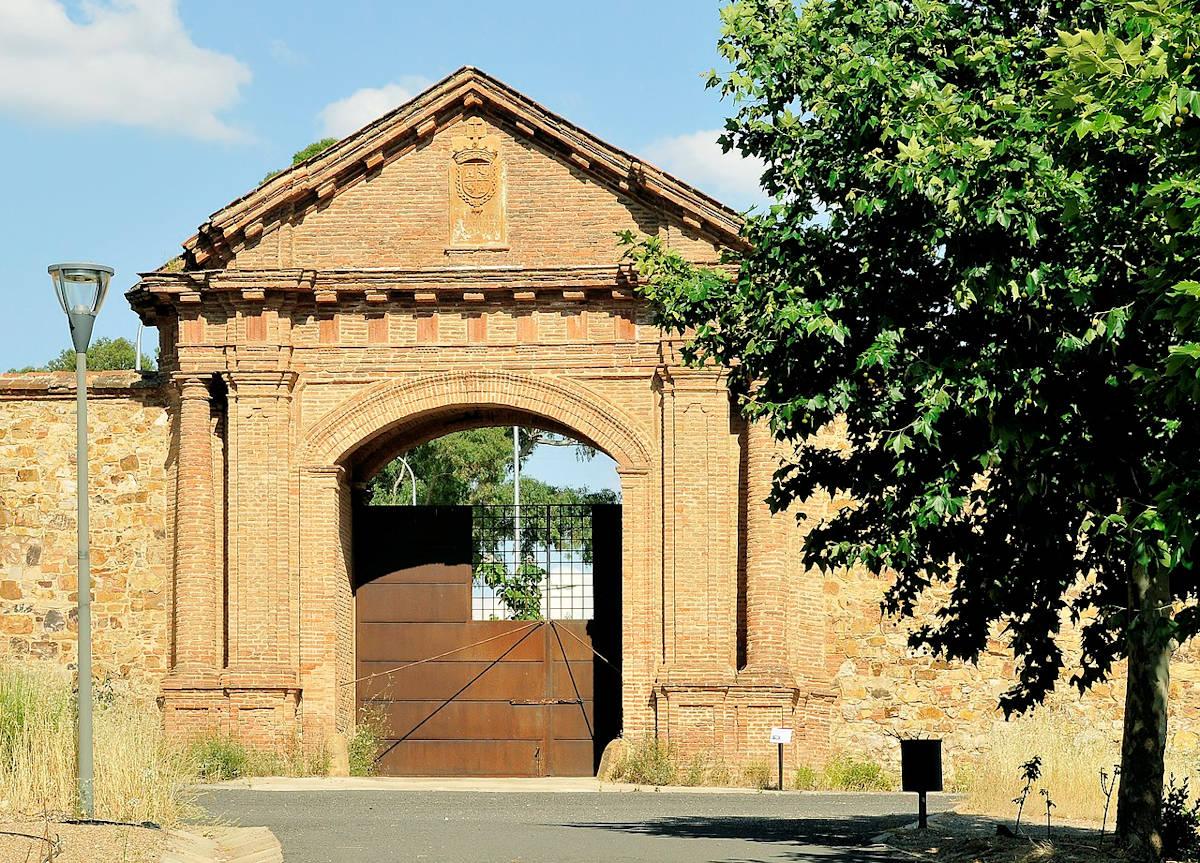 Almadén-Iglesia-de-Santa-María-La-Estrella