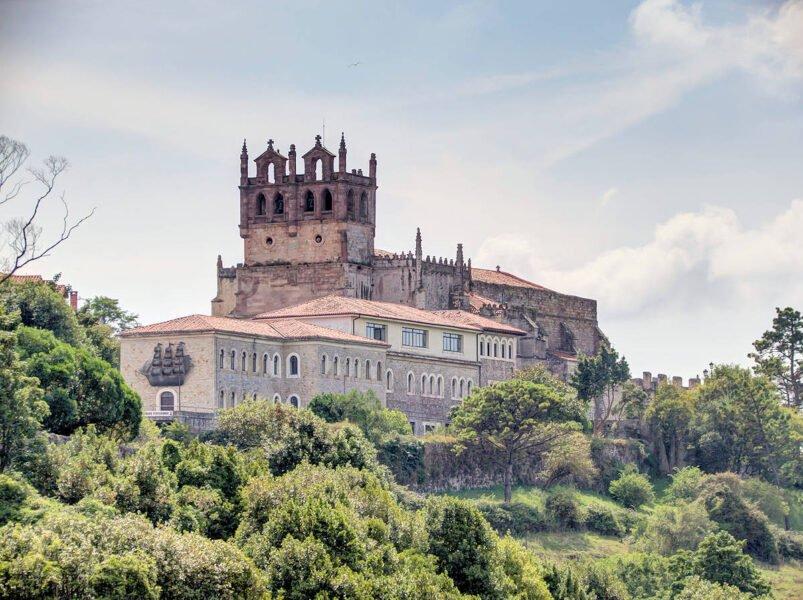 Iglesia de Santa María en San Vicente de la Barquera