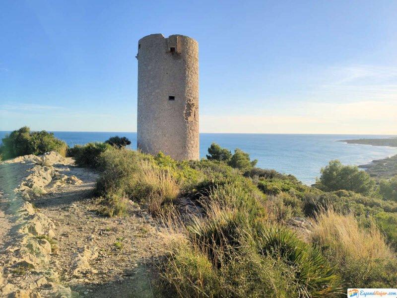 Torre Badum en la Sierra de Irta