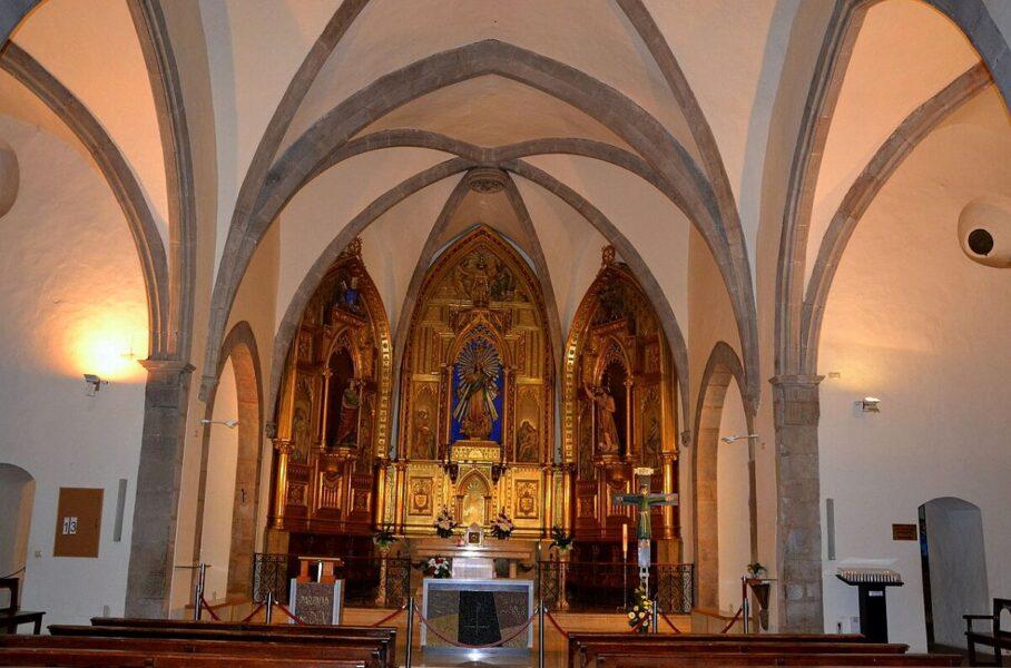 Altar Mayor. Iglesia de Santa María Santa Pau