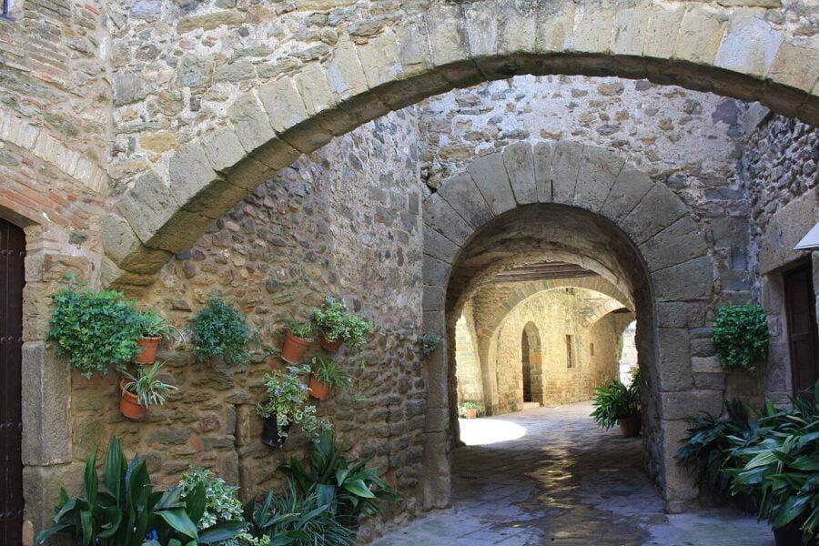 Calle Los Arcos en Monells