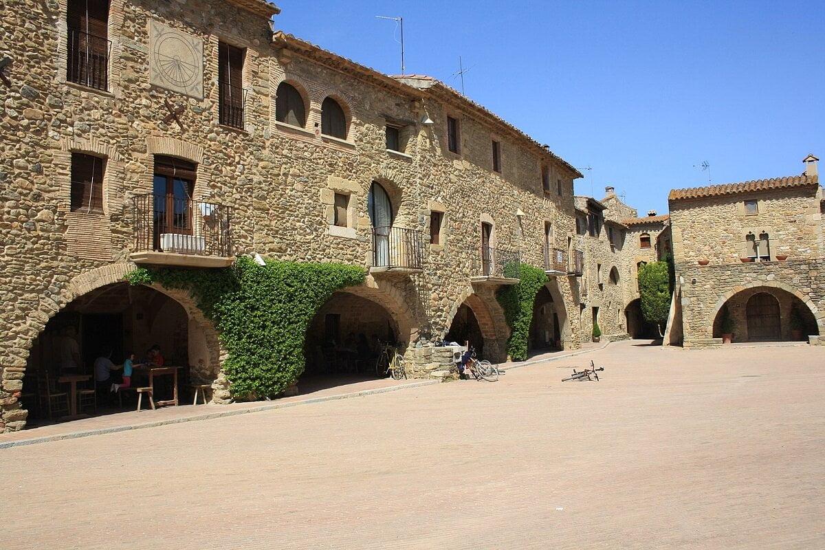 MONELLS-Pueblos mas bonitos de Girona